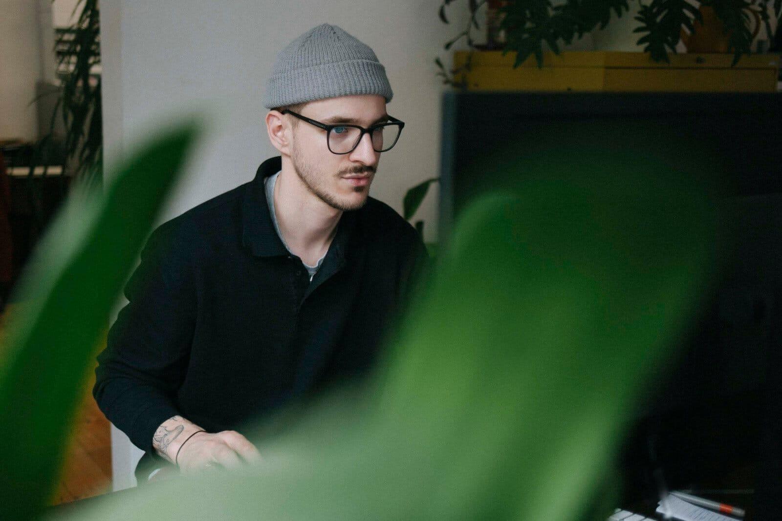 Von Burberry bis Rimova - Grafikdesigner Niklas Zimmermann über den Verjüngungshype der Luxusbrands